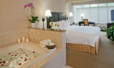 grand jacuzzi suite